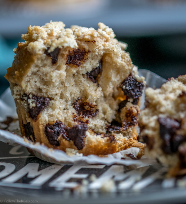 Whole-Wheat-Chocolate-Chip-Muffin-5-600x660.jpg