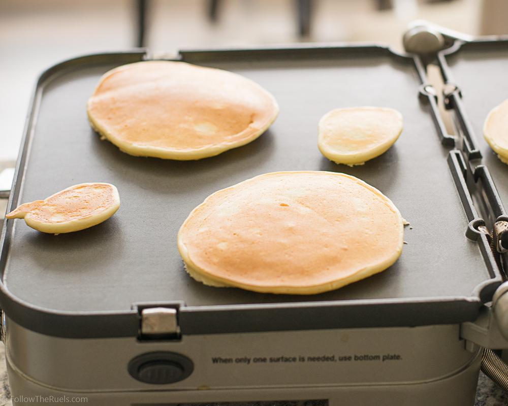 Lemon-Ricotta-Pancakes-9.jpg