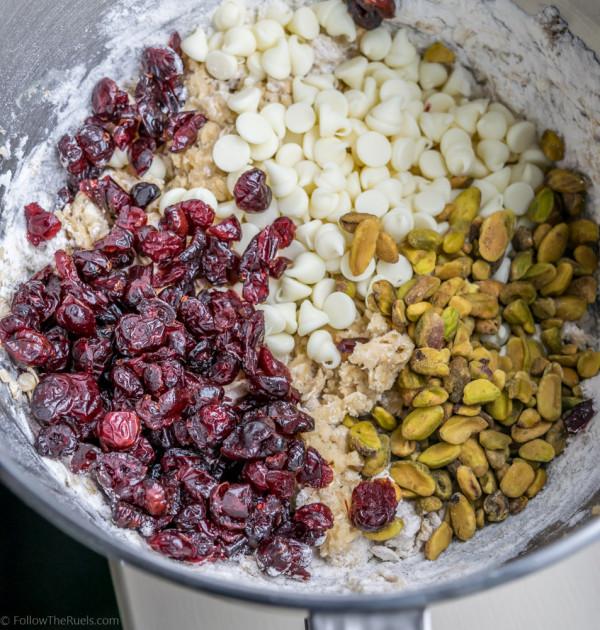 Oatmeal-Cranberry-Cookies-31-600x630.jpg