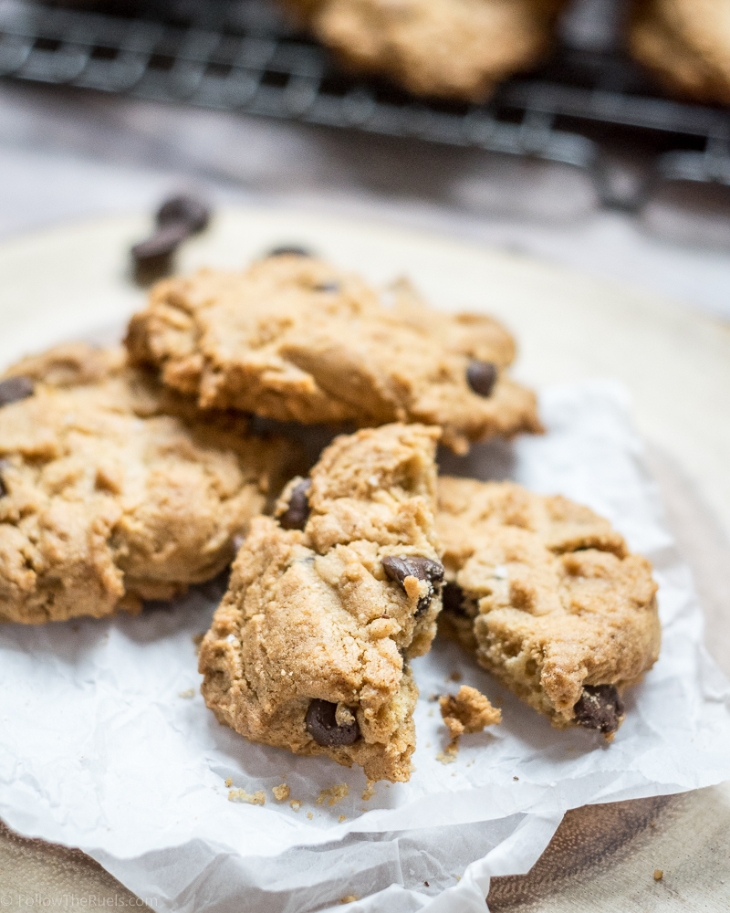 Peanut-Butter-Chocolate-Chip-Cookies-10.jpg