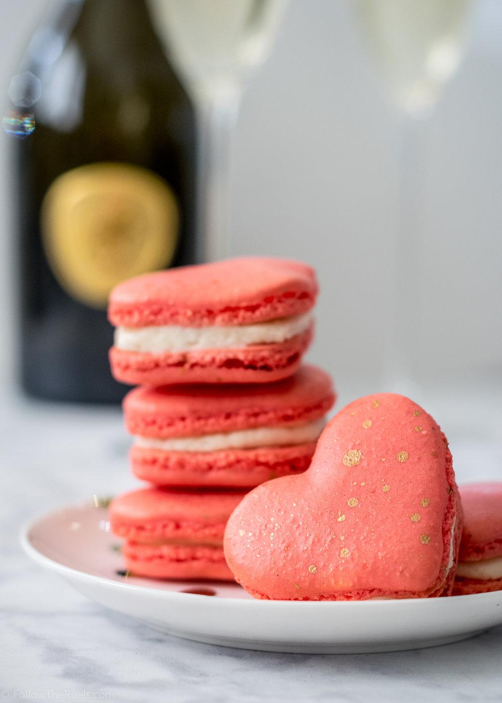 Heart-Macarons-15.jpg