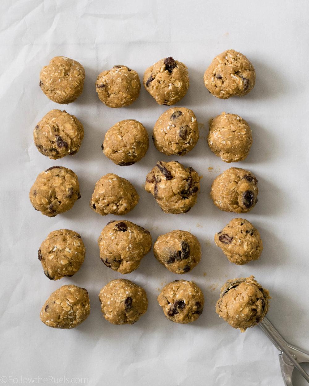 Oatmeal-Raisin-Cookies-4.jpg