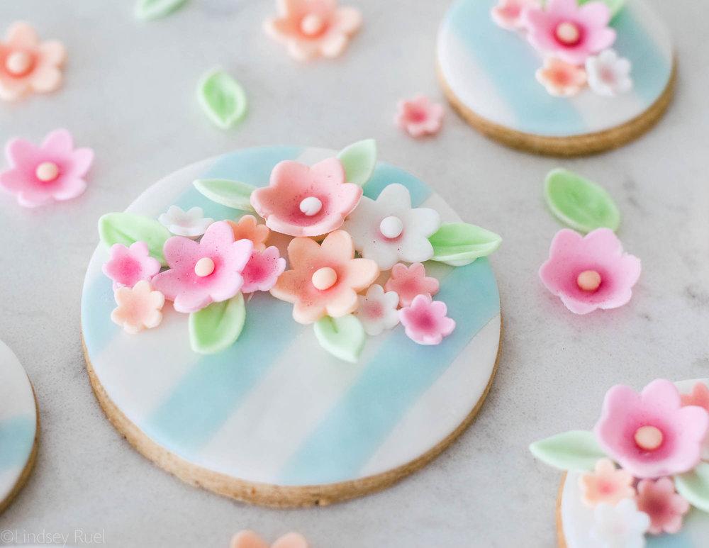 Fondant-Flower-Cookies-18.jpg