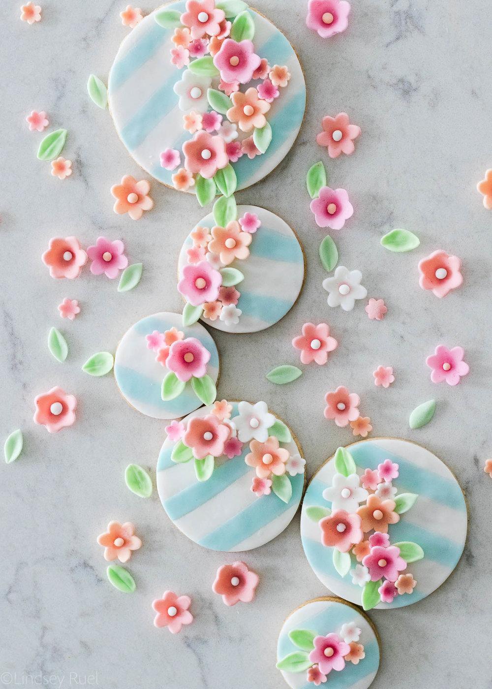 Fondant-Flower-Cookies-21.jpg