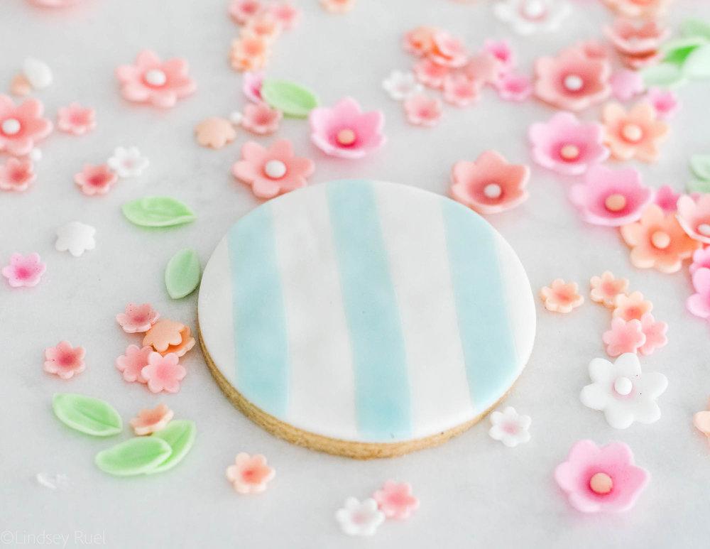 Fondant-Flower-Cookies-15.jpg