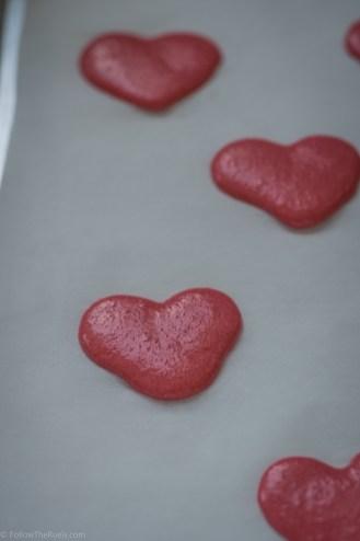 Heart-Macarons-11.jpg