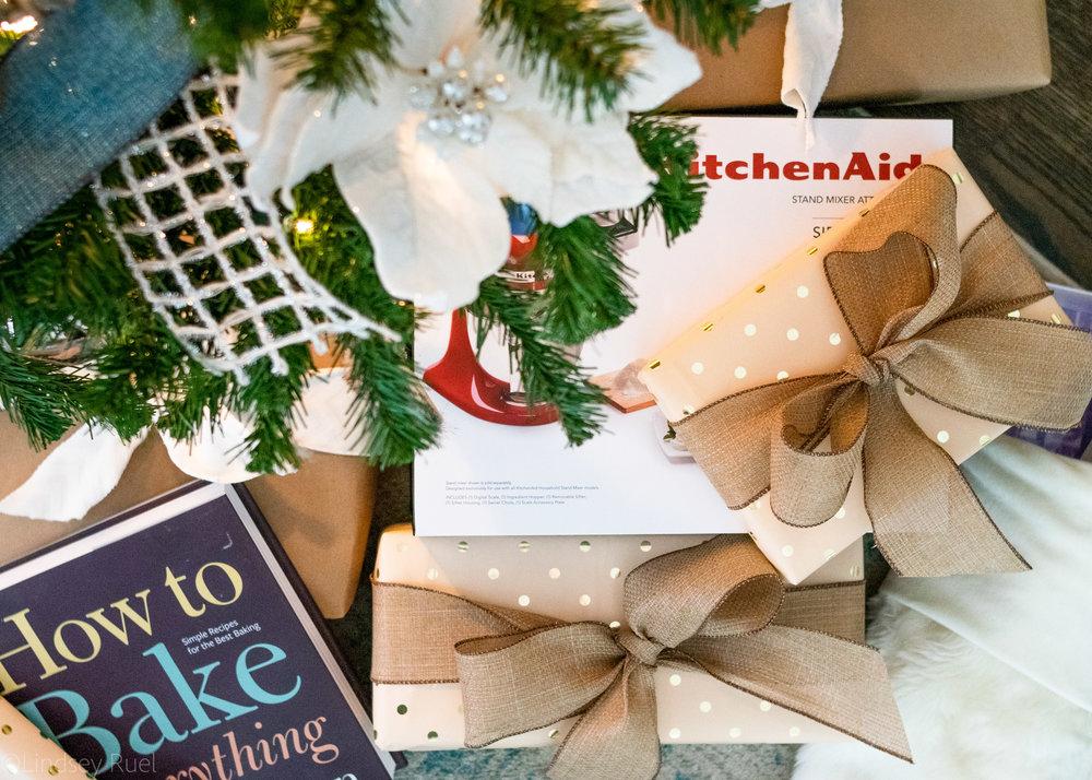 Christmas gift guide-1.jpg