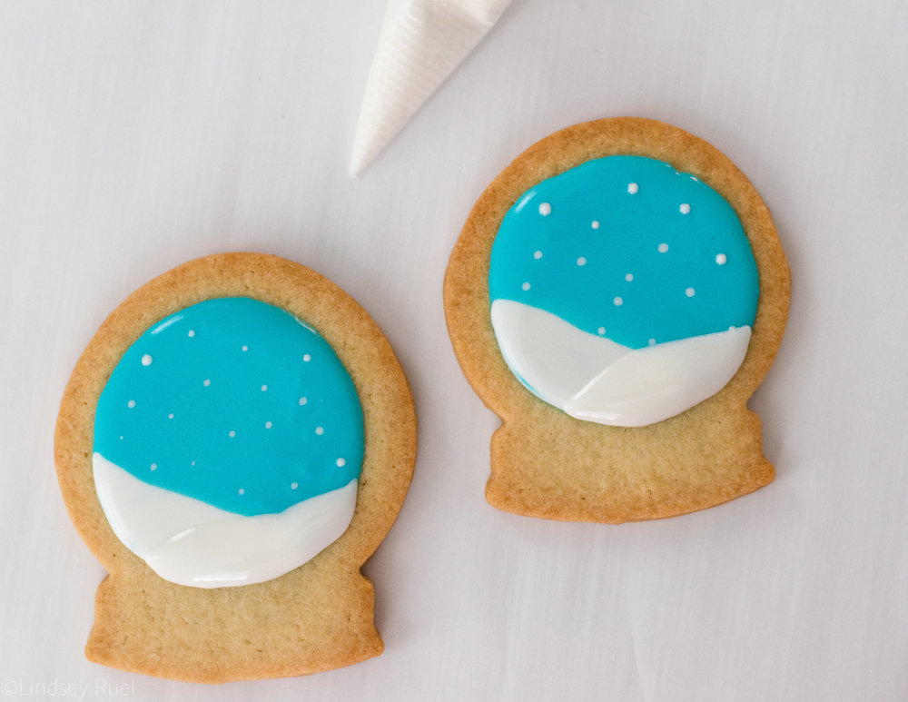 Snow Globe Cookies-5.jpg