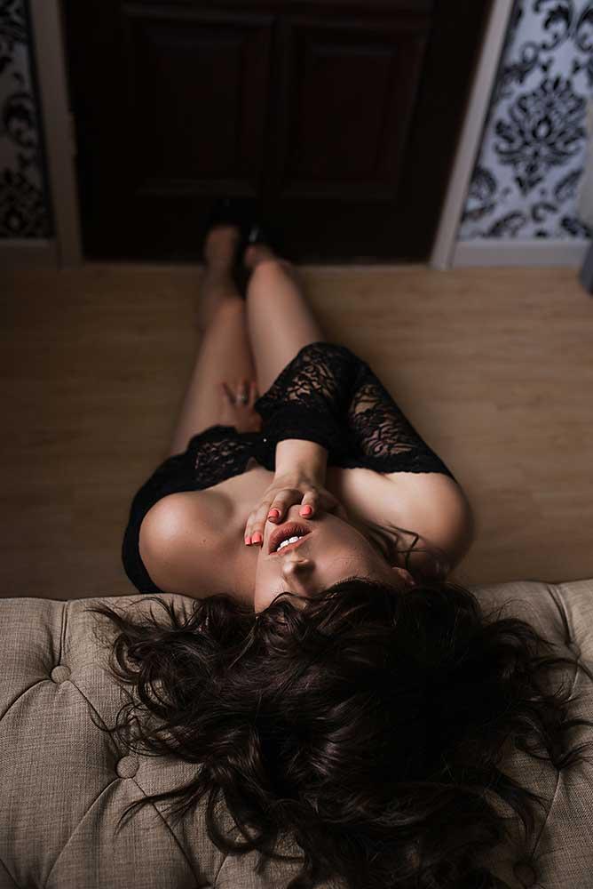 Boudoir-photography-dallas-arlington-mansfield-fort-worth_-black-lingerie.jpg
