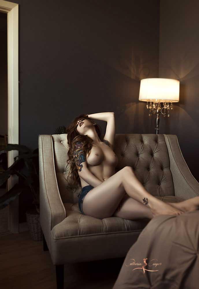 boudoir-studio-dallas-arlington-fort-worth-mansfield_tattooed-implied.jpg