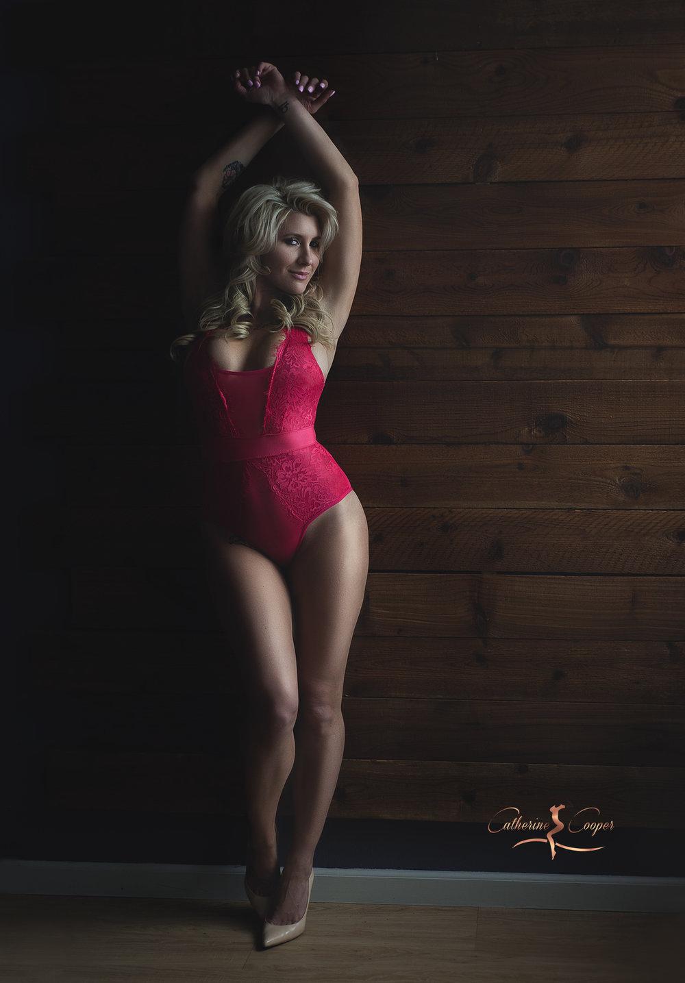 standing-on-a-wall-boudoir-msa4.jpg
