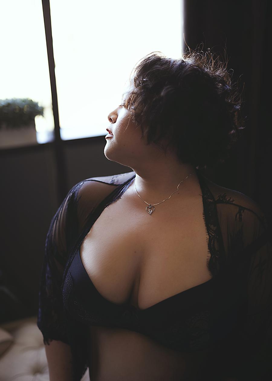 black-lingerie-dallas-boudoir-studio.png