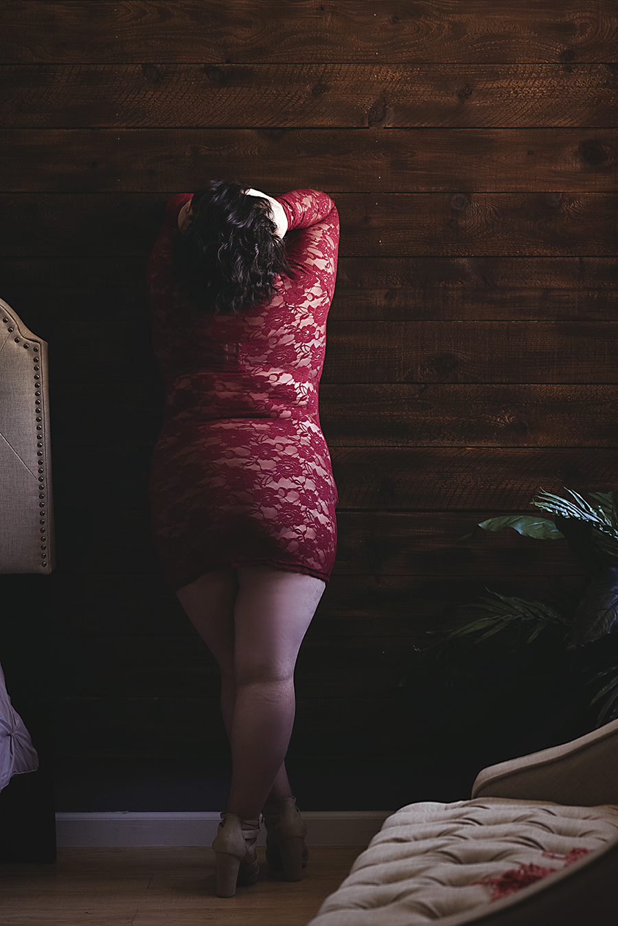standing-on-wall-boudoir-dallas1.png