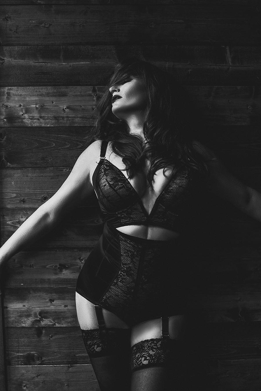 black-white-boudoir-dallas.png