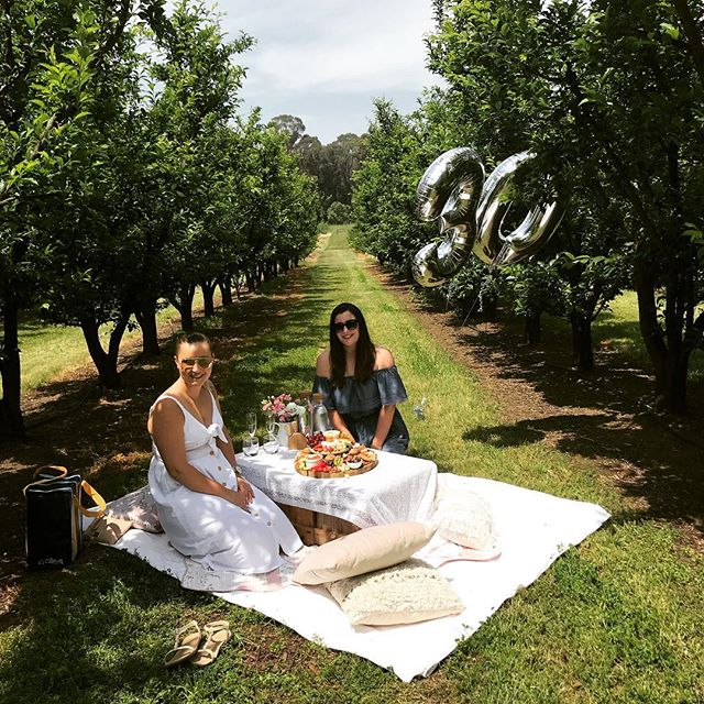 We have some last minute availability for this weekend! 🍃 Do you have a friend who deserves to be spoilt or just need a bit of time with your other half? Picnics for 2 starting from $150. Send us a DM/ email 💫