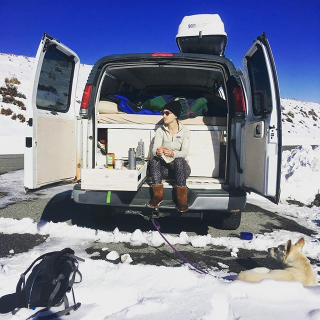 Just tailgating at 9000' no problem 🚐💨🎿⛷❄️📸 . . . . #vanlife #vangirls #yoga #neverstopexploring #getoutside #4x4van #outdoorvoices #allgoodneverbetter #weekendwarrior #healthyfood #fitlife #vegan #veganlifestyle #doingthings #4x4van #vanlife #telemark #backcountry #easternsierras #whitegermanshepherd #wgsd #gsd #thedoggylana #backcountryskiing #van #wintercamping