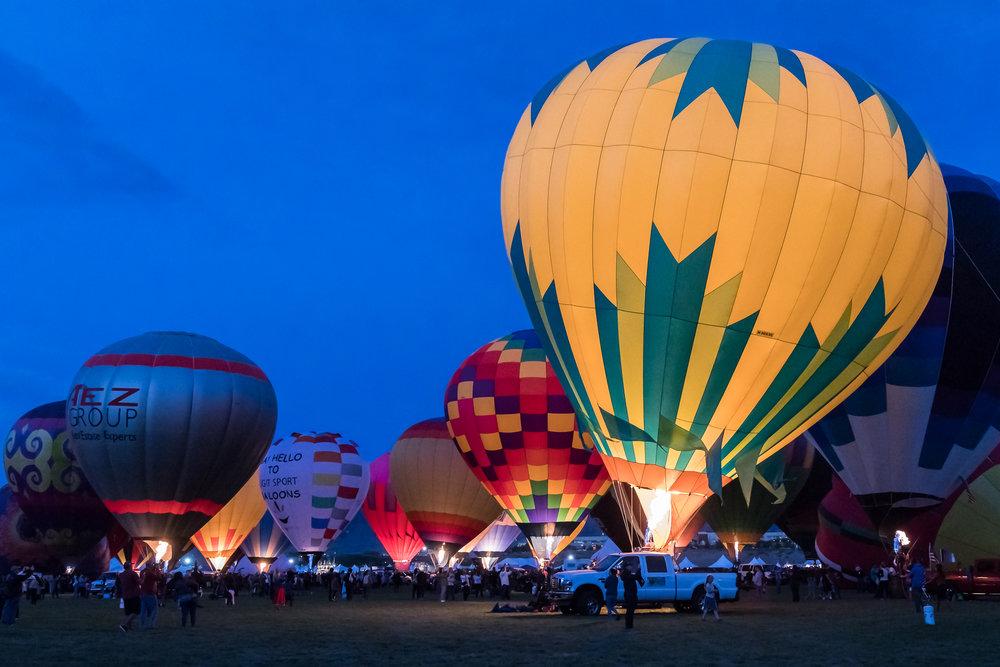 balloon-glow-yellow-balloon.jpg