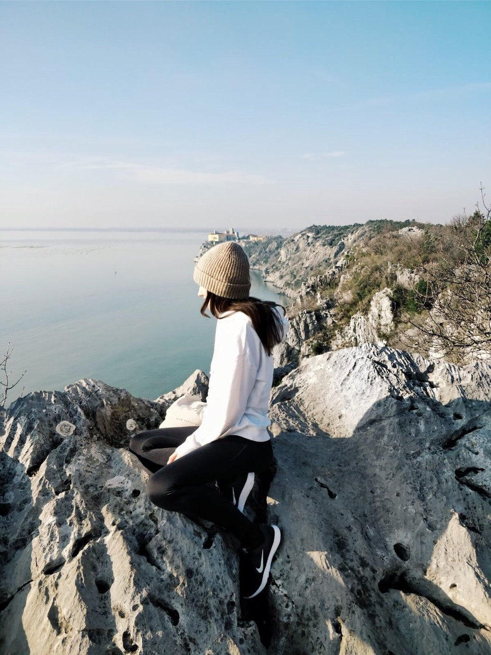atem-beraubende aussichten - Ich wollte das Meer so gut es geht auskosten, wenn es schon zu kalt war um darin zu baden. Mir ist bewusst, dass ich in Österreich sehr gesegnet mit Natur bin, doch das Meer ruft etwas in mir hervor, was mir mein Heimatland nicht geben kann.