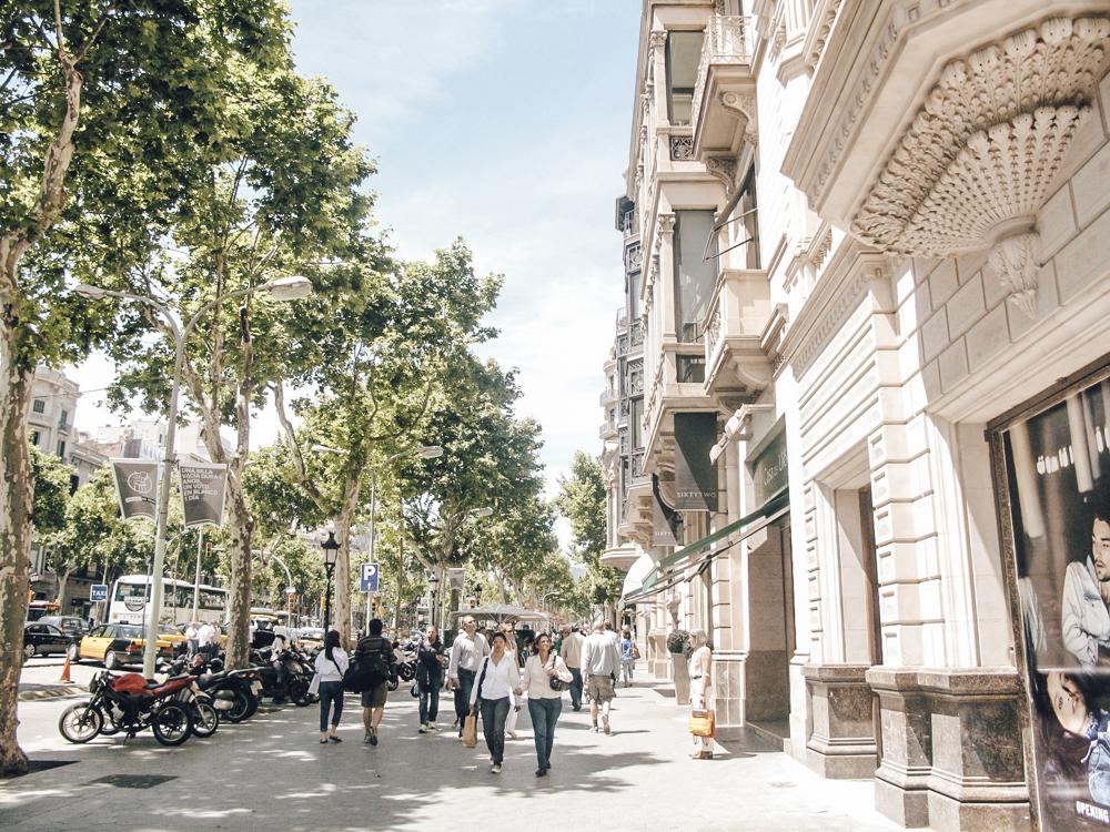Passeig de Gracia & Plaza Cataluna - Ich fühle mich nirgendswo wohler als im süßen Viertel Eixample, zu dem auch die prunkvolle Einkaufsstraße