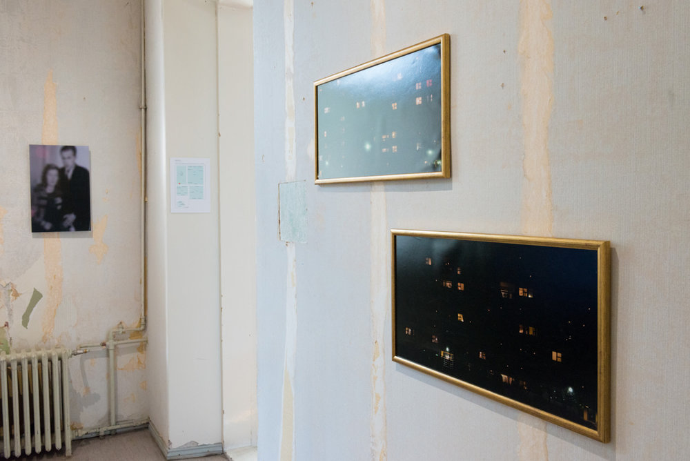 Back:  Muistojen huoneet (kihlakuva), 2014 by Sampo Apajalahti    Front:  Loistava talo, 2014 by Heikki Heinonen (detail)  Photo: © Heli Kaskinen