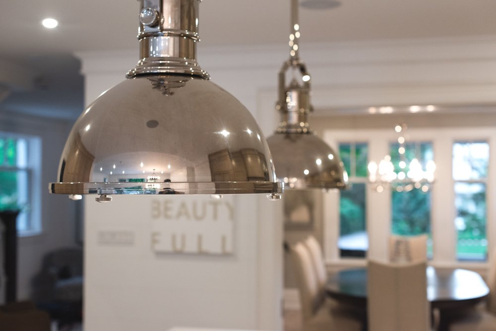 TASK  LIGHTING OVER THE KITCHEN ISLAND (Pendants by @visualcomfort.com)