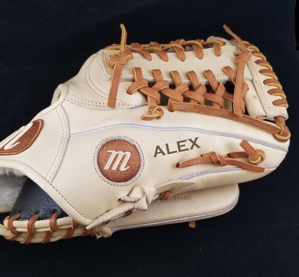 Engraved Baseball Mitt - Personalized Baseball Mitt - Personalized Baseball Glove - Engraved Baseball Glove - Personalized Sports Equipment - Personalized Baseball Equipment