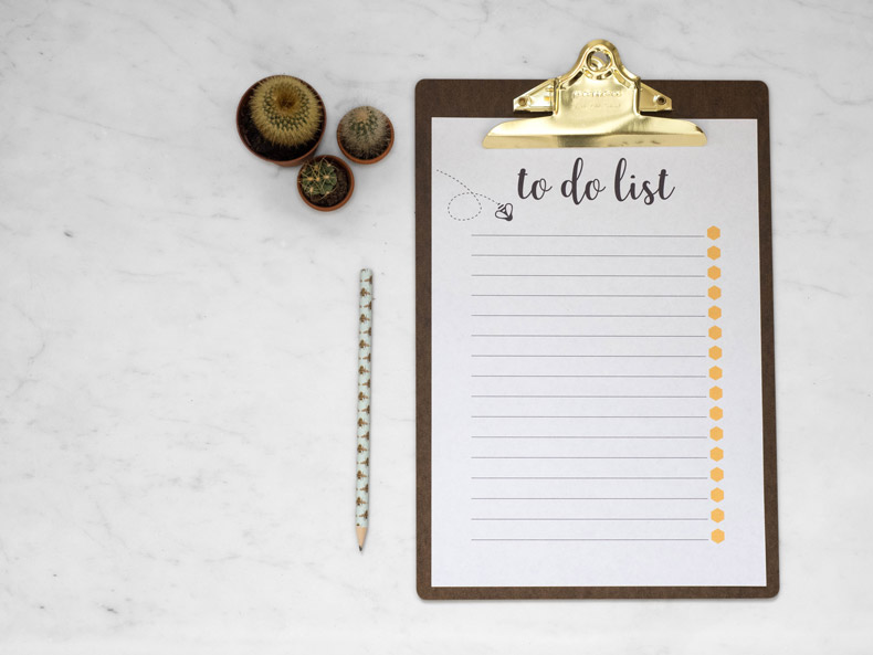 Queen Bee To do list clipboard and pencil