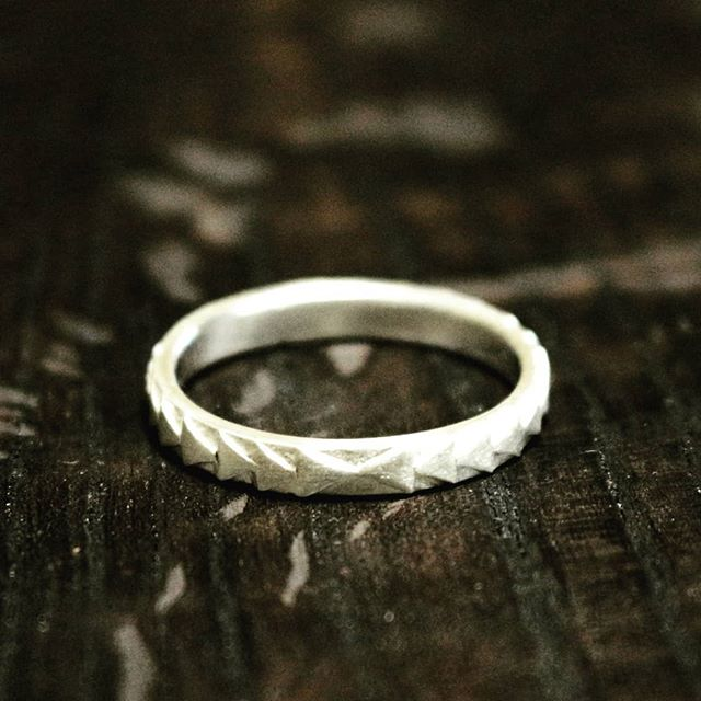 Hand carved stacker ring. #silver #ring #handcraftedjewelry #maker #arielleespinosa