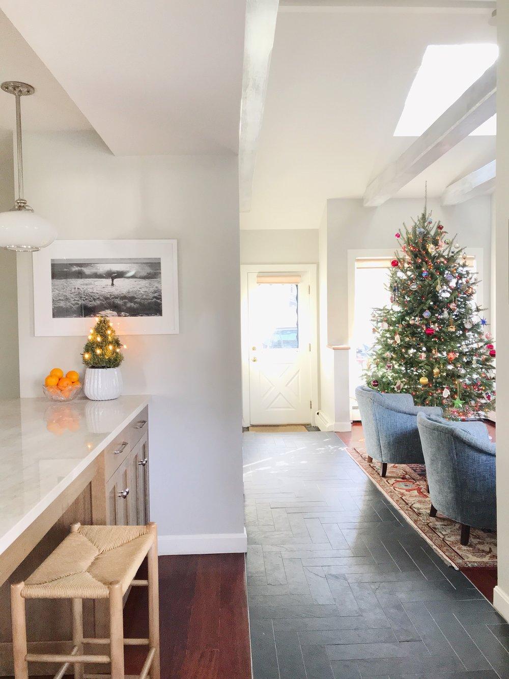 Classic Coastal Christmas Kitchen