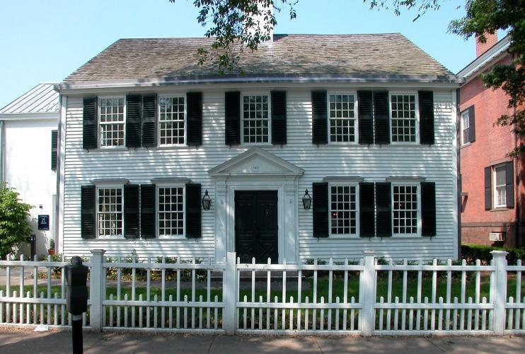 John Pierpont House, 149 Elm Street. 1767; 1900 rear addition by Delano & Aldrich.