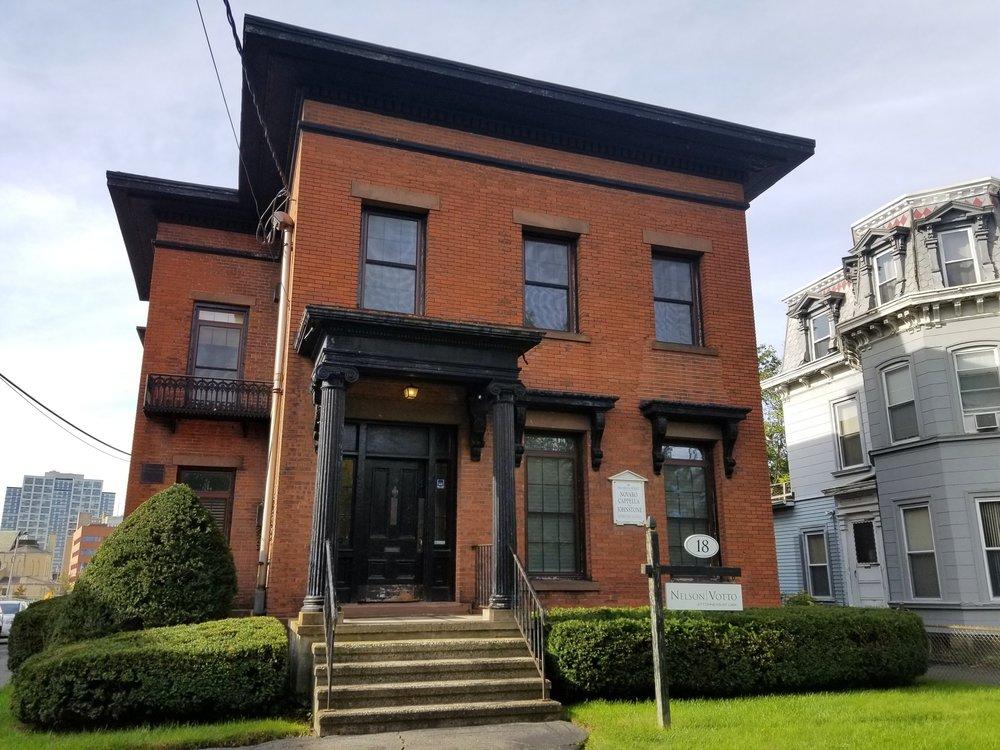 Mendel+House+2+Holt.jpg