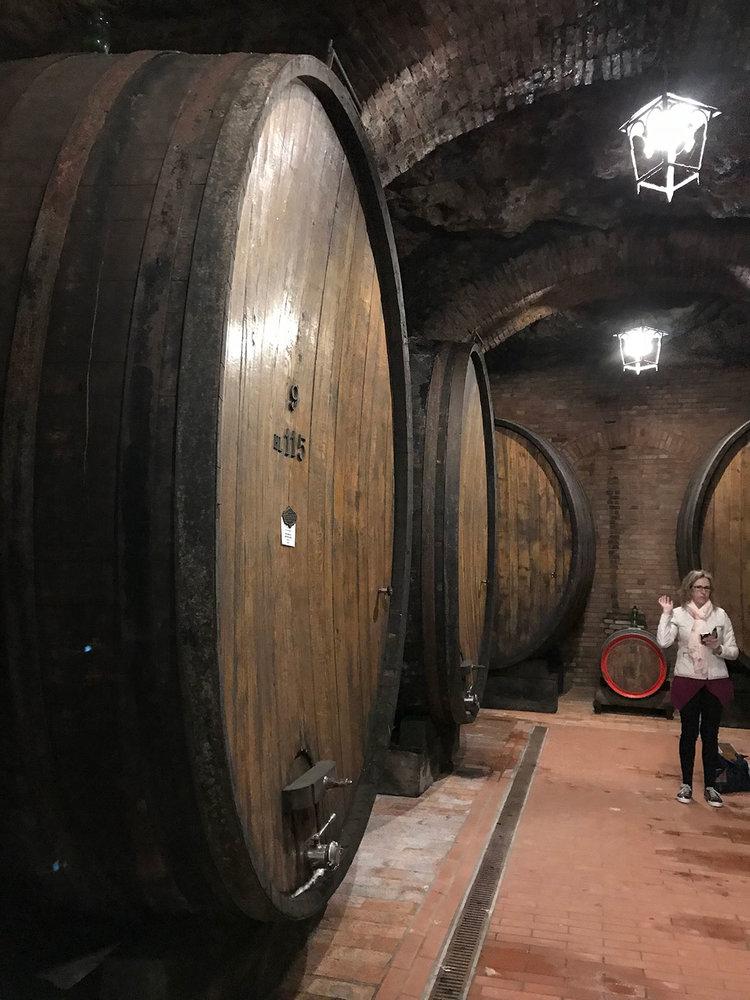 WINE.BARRELS.jpg