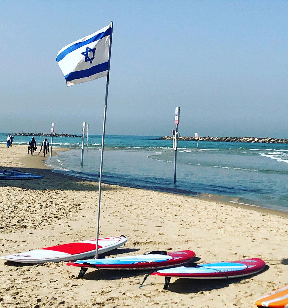 4.FlagTel.Aviv.beach-.jpg