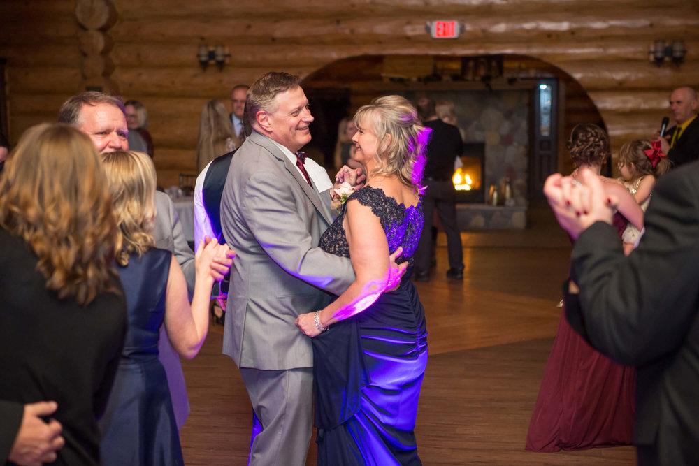 32Photographer: Nicki Lynn | Venue: Glenhave Wedding winter wedding | indoor ceremony.jpg