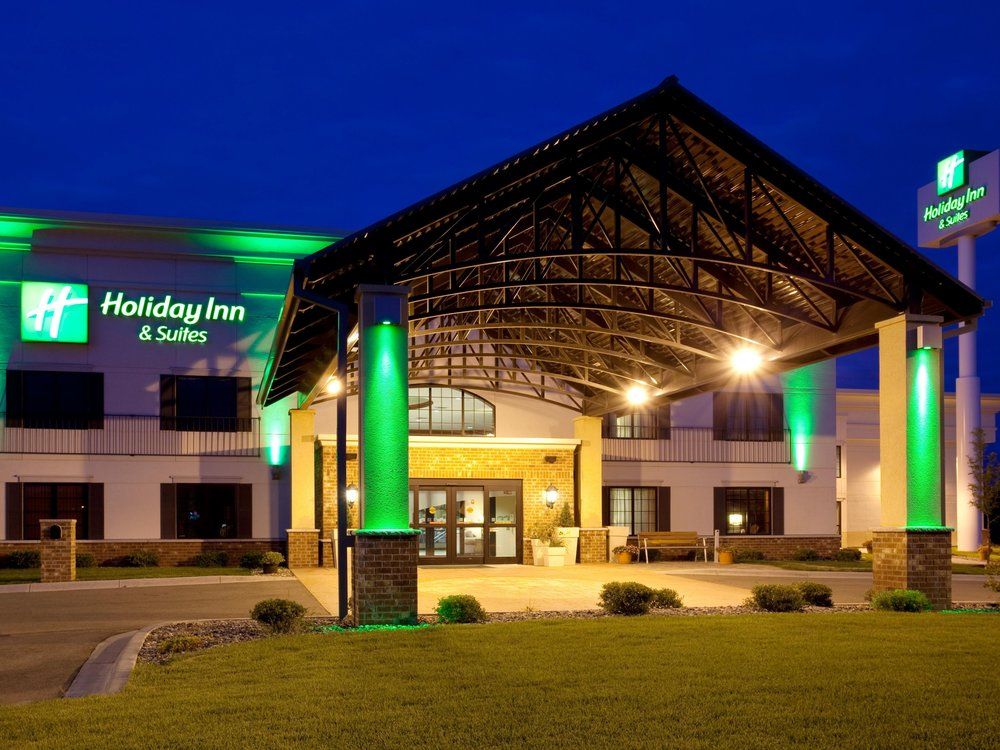 Lakeville Holiday Inn and Suites - 20800 Kenrick Ave, Lakeville, MN 55044(952) 469-1134 WebsiteProbably the largest area hotel, it is also the busiest and therefore the least flexible with pricing.