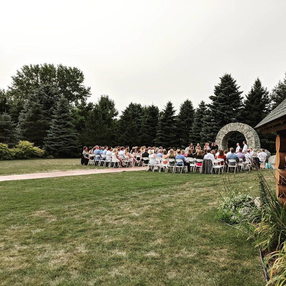Glenhaven outdoor wedding ceremony in Farmington, Minnesota