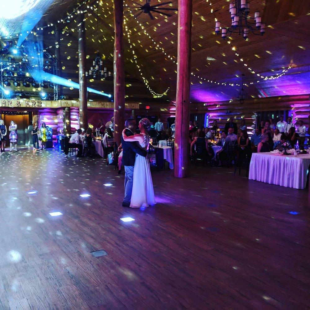 Steve Macke DJ uplighting at Minnesota wedding dance reception