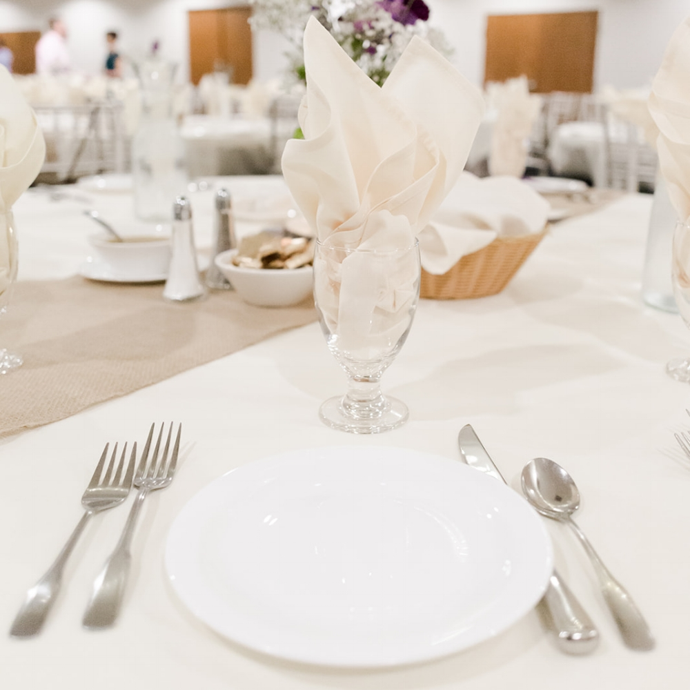 Lindsey White Photography | linens and napkins included in room rental for wedding ballroom in Minnesota