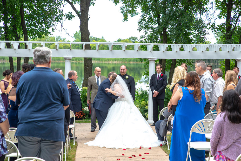 Cindyrella's Garden, Fab Weddings, outdoor Minnesota ceremony, Rosemount wedding, south metro,