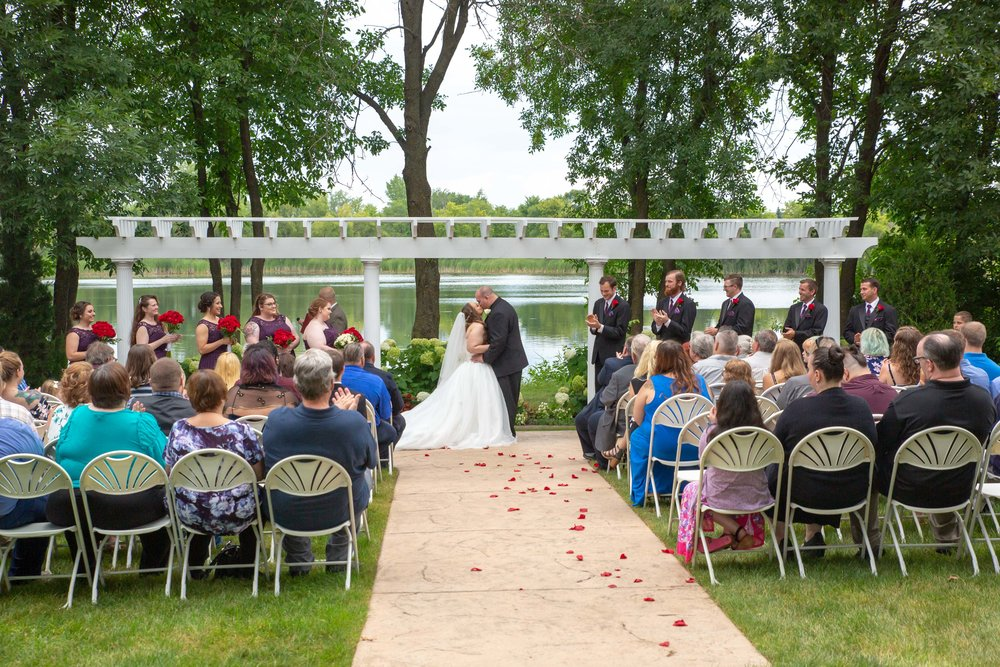 Cindyrella's Garden, Fab Weddings, outdoor Minnesota ceremony, Rosemount wedding, south metro, lake ceremony