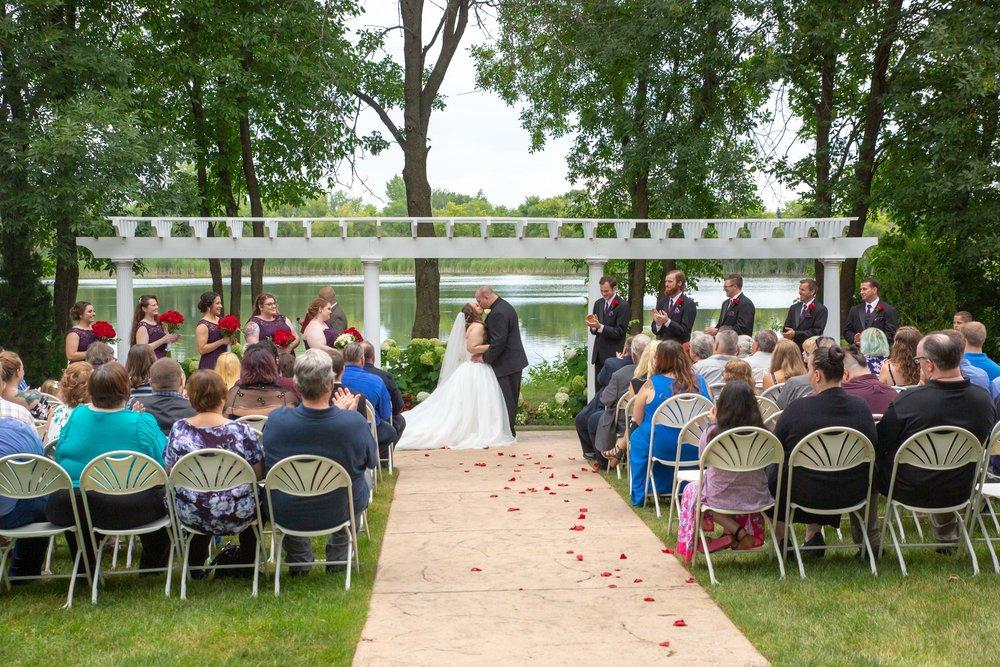 Cindyrella's Garden, Fab Weddings, outdoor Minnesota ceremony, Rosemount wedding, south metro, lake ceremony
