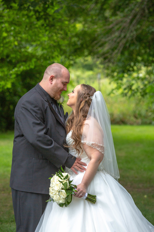 Cindyrella's Garden, Fab Weddings, outdoor Minnesota ceremony, Rosemount wedding, south metro,  white bouquet