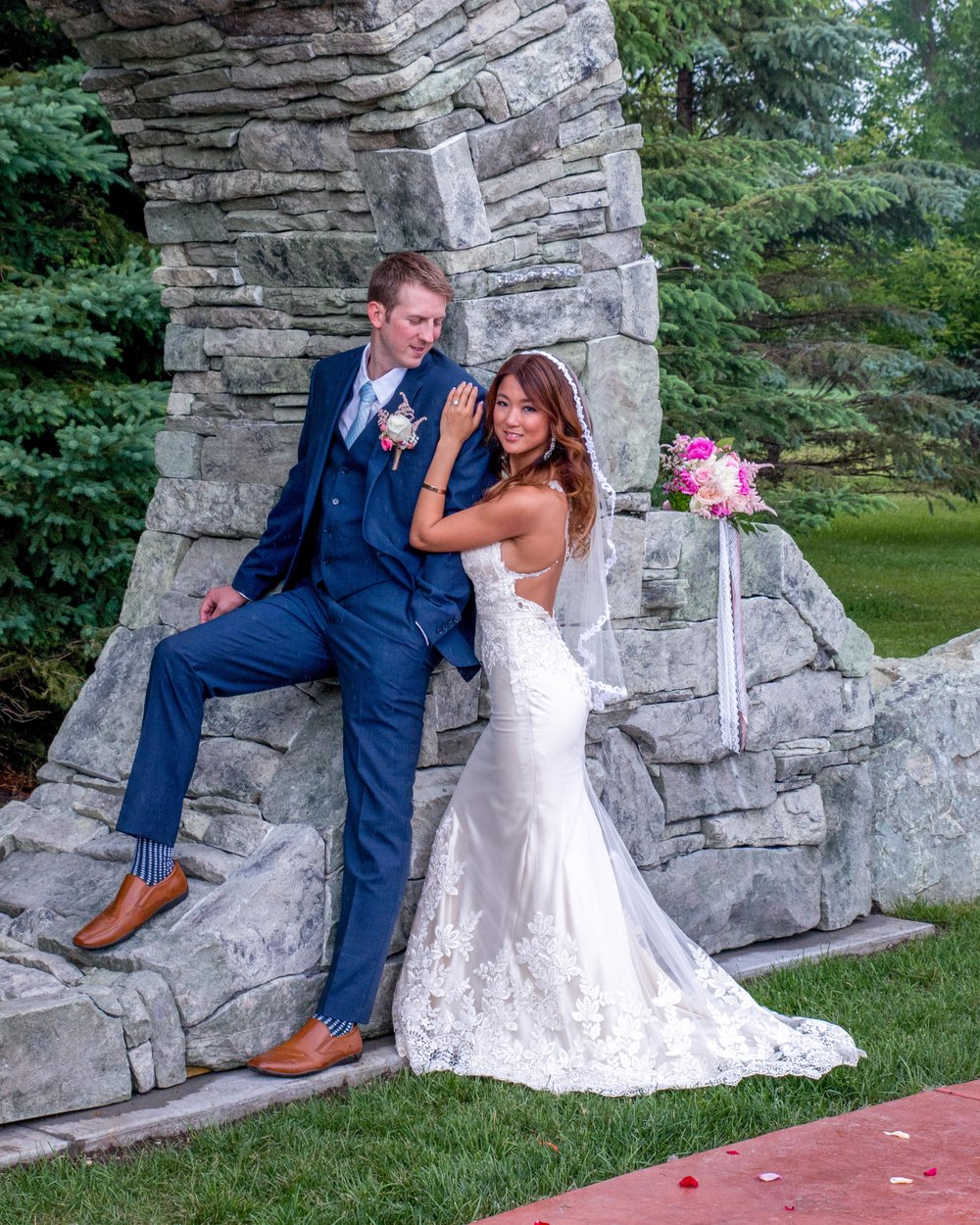 Minnesota Wedding at Glenhaven, outdoor ceremony, Fab Weddings, June wedding