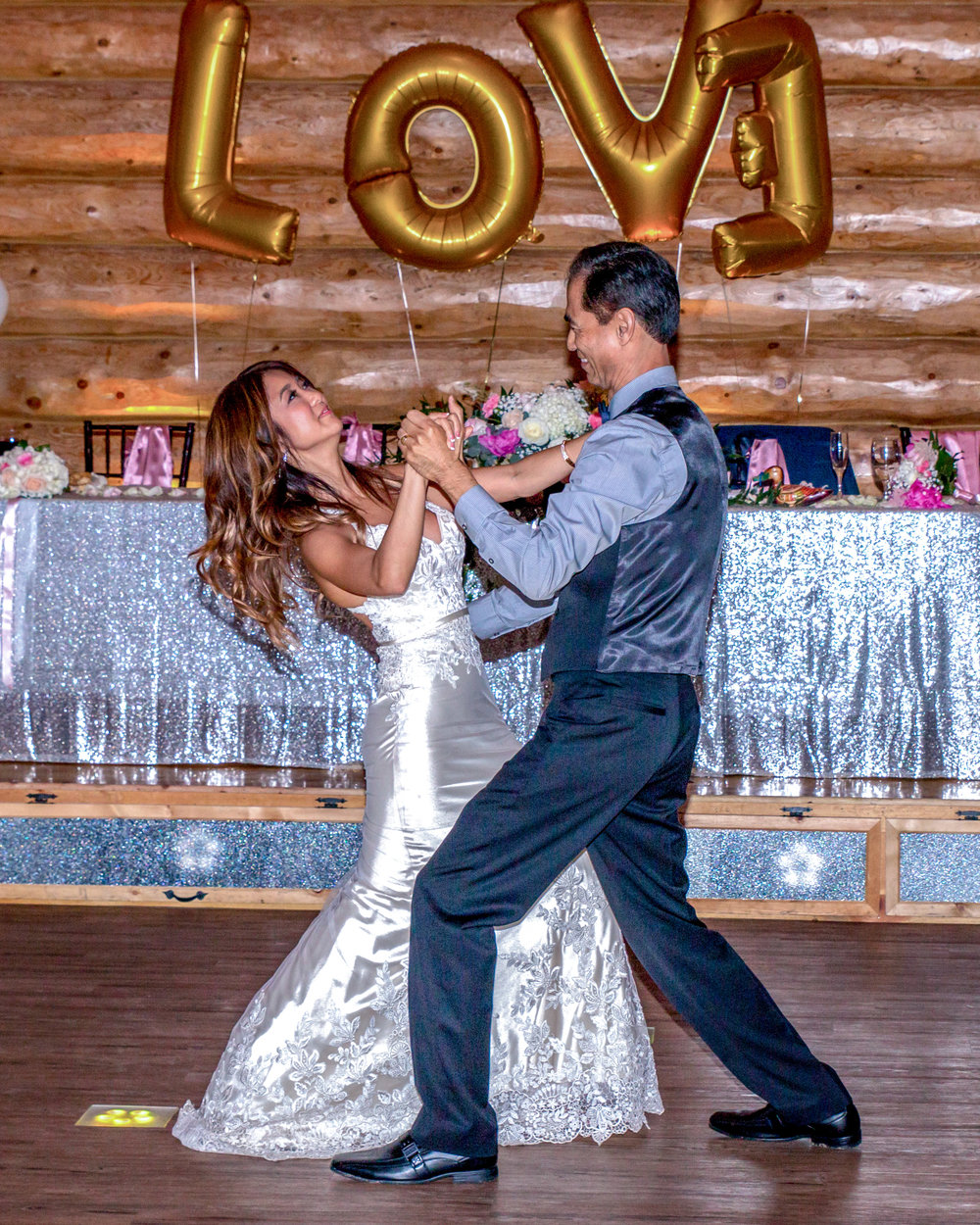Minnesota Wedding at Glenhaven, outdoor ceremony, Fab Weddings, dance with dad love letters in the background