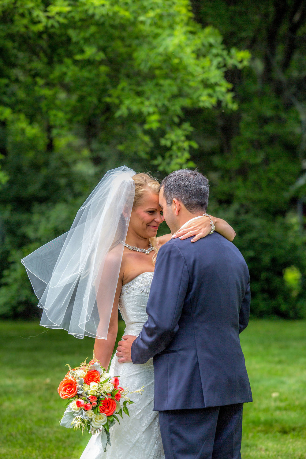 Cindyrellas Garden, outdoor lake ceremony in Minnesota,