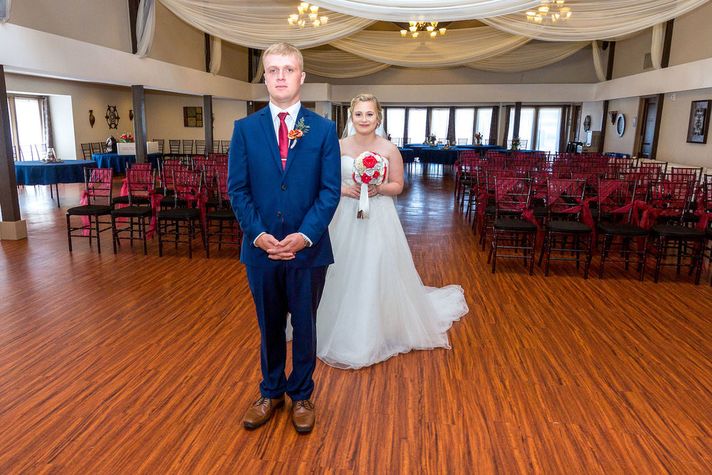 Rosehenge wedding, Lakeville wedding venue, affordable wedding venue in south Minnesota, first look