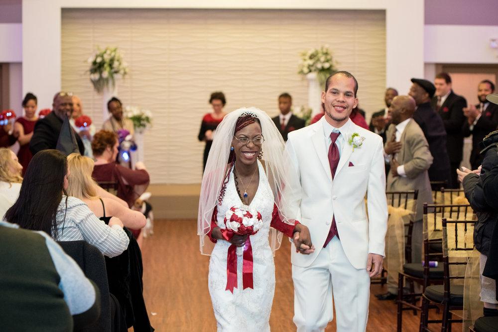Danielle Albrecht | Rosenhenge Wedding | getting married in Lakeville
