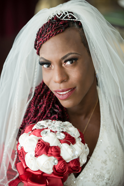 bridal portrait   southern Minnesota wedding photographer Danielle Albrecht   bride with braids