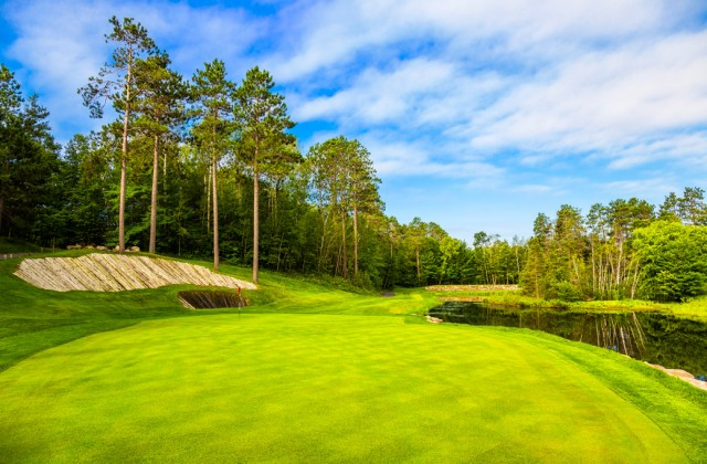 Golf_Lakes7-1414-640x420.jpg