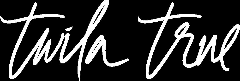 logo_TwilaTrueSignature_white.png